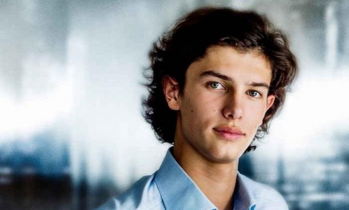 Nikolai - từ hoàng tử Đan Mạch tới chàng mẫu điển trai
