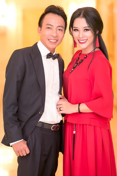 Việt Hoàn và Hoa Trần đã trải qua cuộc hôn nhân 11 năm.