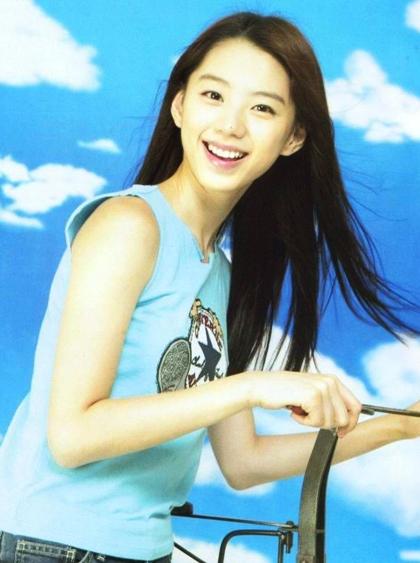Nhan sắc tuổi của vợ ông hoàng Bae Yong Joon - 7