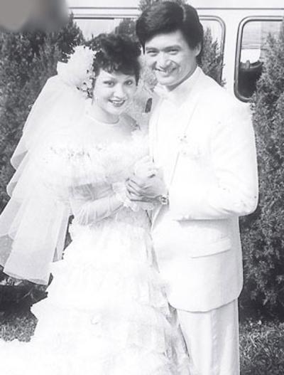 Dư An An và Châu Nhuận Phát ngày cưới.