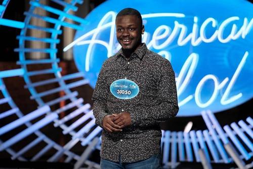 Johnny White ở vòng thử giọng của American Idol.