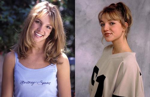 Britney Spears sinh năm 1981 ởLouisiana, Mỹ. Năm 1998, cô ký hợp đồng vớiJive Records để trở thành ca sĩ chuyên nghiệp và sản xuất album đầu tay. Thời kỳ này, Britney Spears để tóc lob xoăn nhẹ. Cô thường mặc trang phục năng động, khỏe khoắn. Trong single Baby One More Time sản xuất năm 1998, phát hành đầu năm 1999, Britney Spears gây ấn tượng với hình tượng nữ sinh trẻ trung. Cô buộc tóc hai bên, mặc áo sơ mi buộc eo, thể hiện nhiều động tác vũ đạo mạnh mẽ.