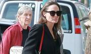 Angelina Jolie đưa các con đi xem phim mới về Lara Croft