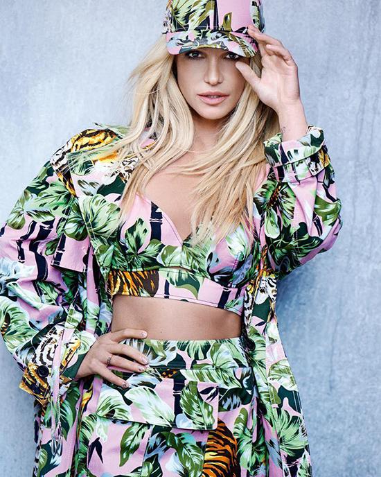 Britney Spears khoe hình thể khi làm mẫu thời trang