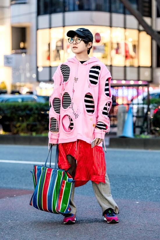 Giới trẻ mặc nổi loạn trên đường phố Tokyo