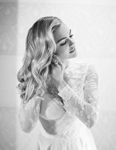 Lễ cưới của Kate Upton và Justin Verlander được tổ chức với sự tham dự của bạn bè thân thiết và gia đình cô dâu, chú rể. Người đẹp đăng ảnh khi chuẩn bị ra nơi làm lễ.