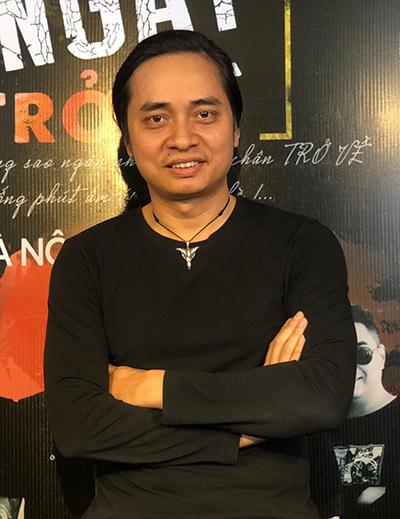 Nghệ sĩ Trần Tuấn Hùng tại buổi họp báo.