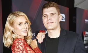 Paris Hilton suýt mất nhẫn đính hôn 2 triệu USD ở hộp đêm Miami
