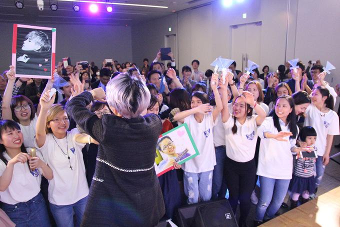 Khán giả Nhật khen Vũ Cát Tường 'đẹp trai quá'