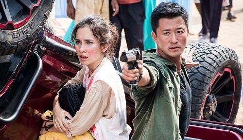 Nhân vật của Ngô Kinh (phải) là hình mẫu người hùng Trung Quốc đương đại.