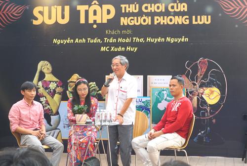 Buổi giao lưu của các nhà sưu tập diễn ra ở Đường sách TP HCM ngày 25/3 thu hút hàng trăm độc giả tham dự. Ảnh: Mễ Thuận.