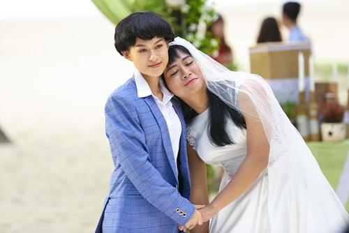 Ngọc Thanh Tâm (trái) vào vai Diệu Hiền, g lầm lỳ, ngổ ngáo, nhưng sâu thẳm, nhân vật này đang cất giấu một bí mật đau lòng.