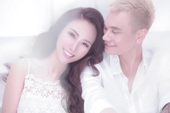 Vẻ ngoài nóng bỏng của vợ ca sĩ Khắc Việt
