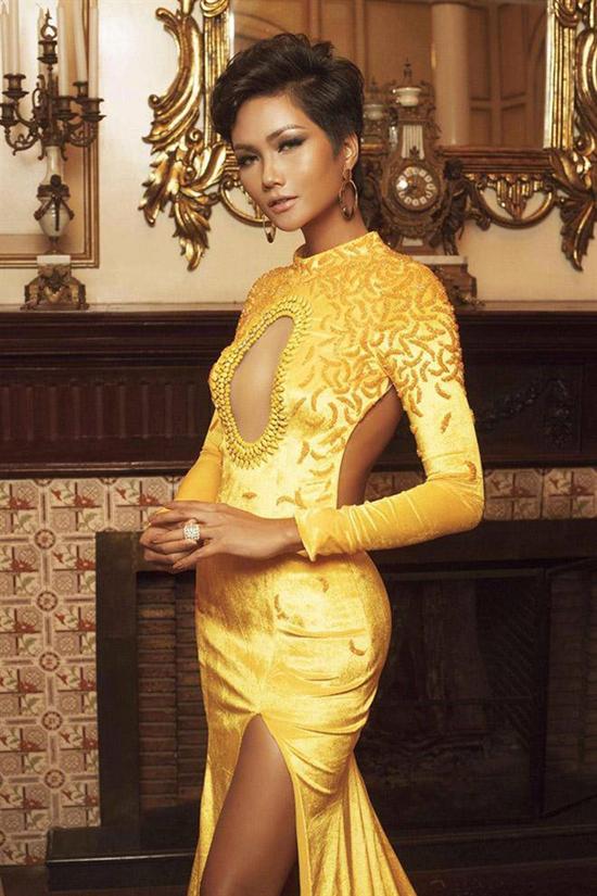 Trang phục tôn làn da của Hoa hậu H'Hen Niê