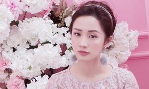 Jun Vũ khoe sắc với váy ren xuyên thấu