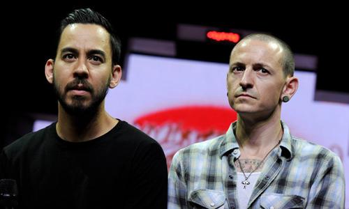 Mike Shinoda (trái) và người bạn quá cố - Chester Bennington.
