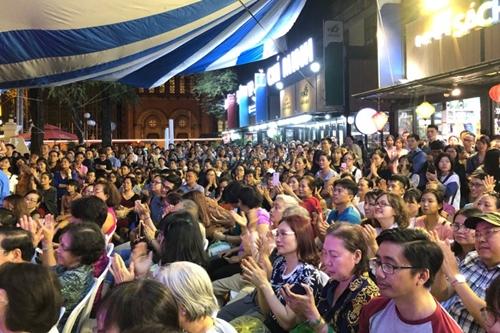 Hàng nghìn khán giả tưởng nhớ 17 năm ngày Trịnh Công Sơn mất
