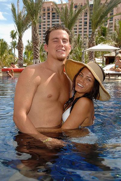 Cặp sao sau đó đi nghỉ ở Bahamas cùng nhau, công khai tình cảm.