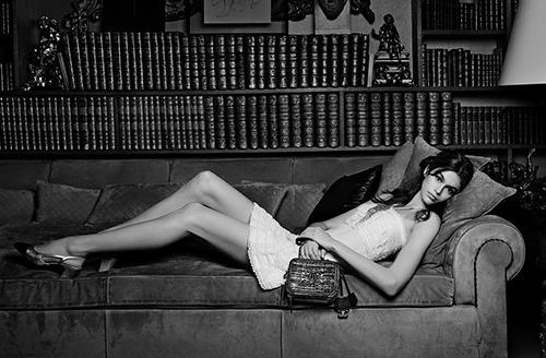 Kaia Gerber trong chiến dịch quảng cáo Xuân Hè 2018 của Chanel. Ảnh: Karl Lagerfield.