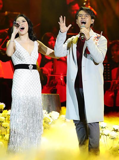 Mỹ Tâm (trái) và Hà Anh Tuấn.