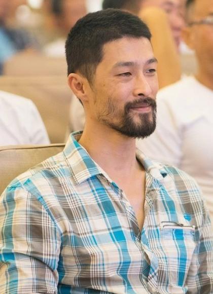 Biến đổi ngoại hình của Johnny Trí Nguyễn