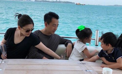 Từ Hy Viên đi nghỉ cùng chồng con hồi đầu năm.