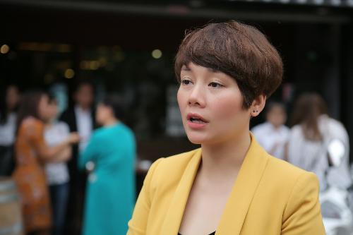 Ca sĩ Bông Mai.