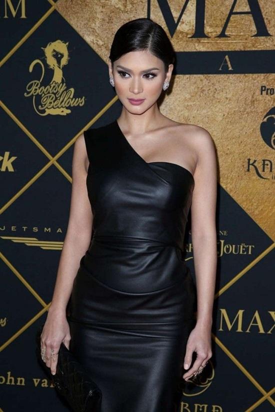 Những bộ đầm tôn vòng một của Hoa hậu Pia Wurtzbach