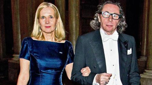 Nhà thơKatarina Frostenson (trái) và chồng - ôngJean-Claude Arnault