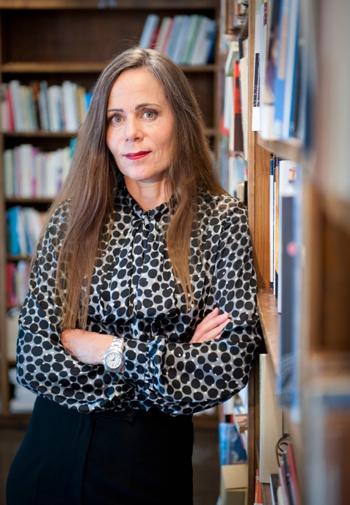 Bê bối tình dục phủ bóng đen lên giải Nobel Văn học