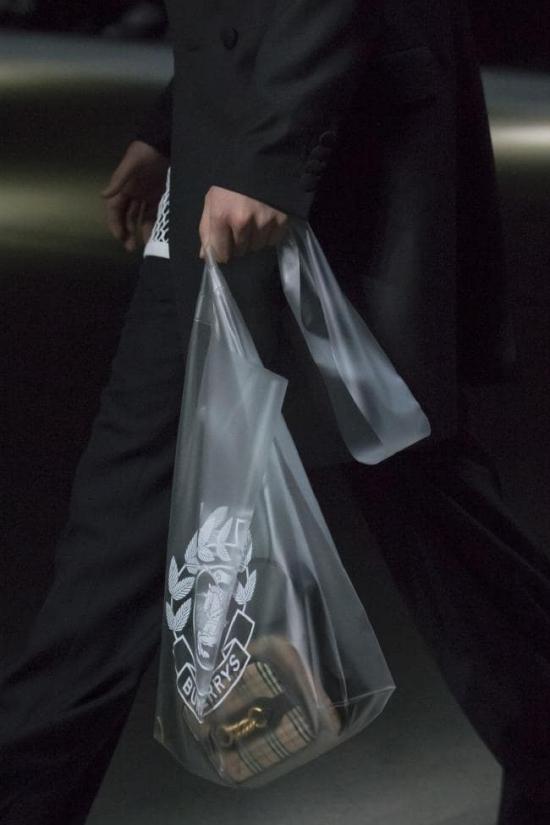 Túi nylon trở thành trào lưu hot