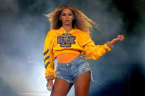 Beyonce tại lễ hội Coachella.