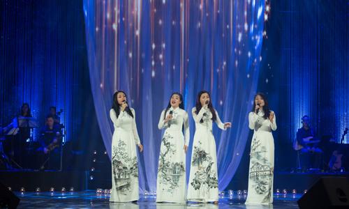 Cẩm Vân - Khắc Triệu hòa giọng trong đêm nhạc Trịnh