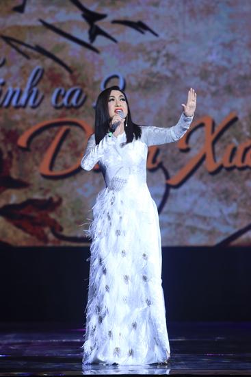 Giọng ca hải ngoại - Ý Lan - mang đến chương trình ca khúc Quỳnh hương, N
