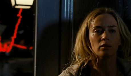 A Quiet Place được giới phê bình khen ngợi với 95% đánh giá tích cực trên Rotten Tomatoes.