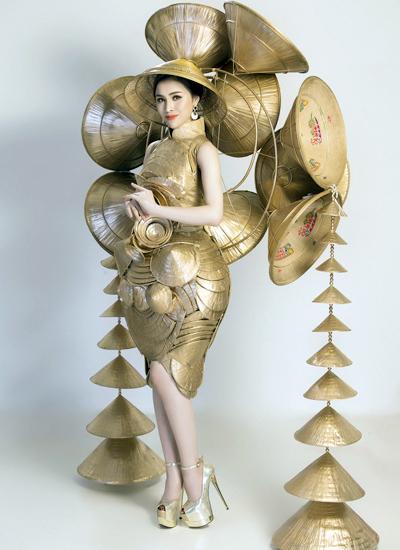 Bộ trang phục của Thư Dung dành cho cuộc thi Miss Eco International.
