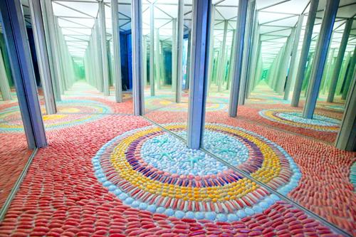 Hơn hai triệu viên gốm được trang trí tại Nhà gương Hà Nội - 8
