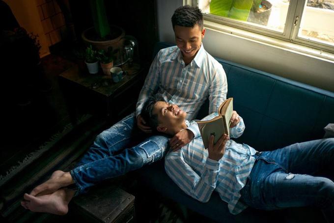 Thời trang đồng điệu của John Huy Trần và bạn đời