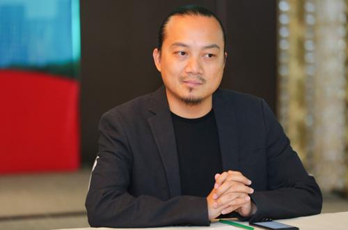 Đạo diễn Cao Trung Hiếu.