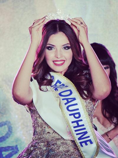 Nhan sắc sinh viên luật đăng quang Hoa hậu Algeria 2018