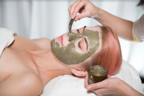 Chăm sóc, bảo vệ da cùng mỹ phẩm Deaura - 1