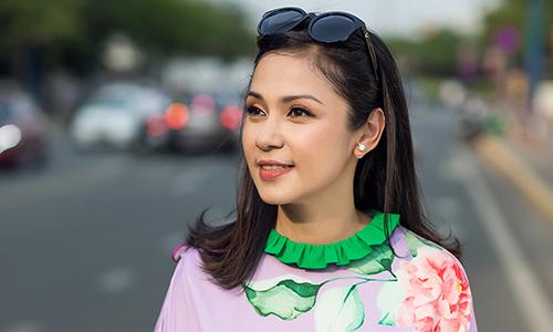 Kết quả hình ảnh cho Việt Trinh gợi ý loạt váy hoa dạo phố hè