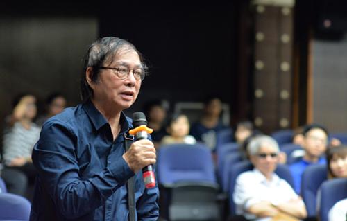 Đạo diễn Đặng Nhật Minh chia sẻ về nhà thơ tại tọa đạm.