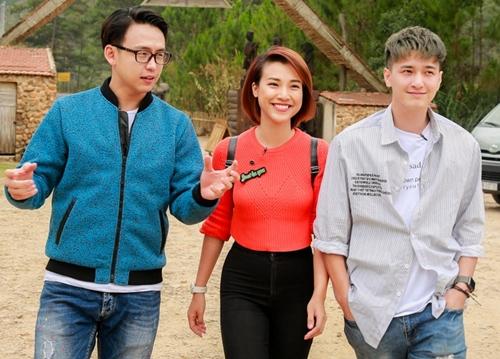 Hoàng Anh, Huỳnh Anh thân thiết khi quay hình chungHoàng Anh, Huỳnh Anh thân thiết khi quay hình chung - 1