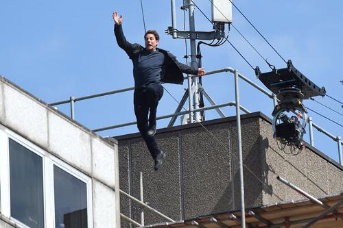 Tom Cruise: 'Tôi ngu ngốc khi để mình bị chấn thương'