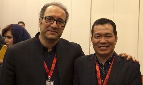 Đạo diễn Lương Đình Dũng (phải)vàReza Mirkarimi - giám đốc liên hoan phim, đạo diễn nổi tiếng của Iran.