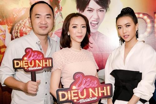 Thu Trang bật cười khi Diệu Nhi hát cải lương
