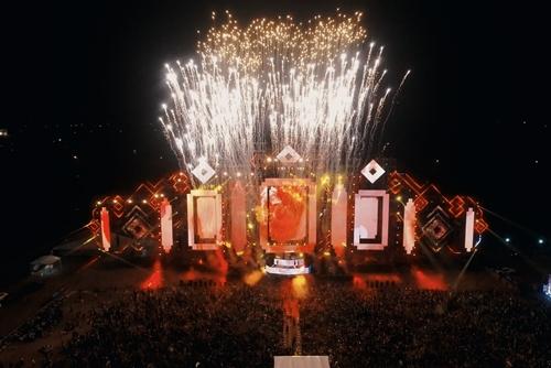 Ban tổ chức cho biết, fan nhạc điện tử Việt Nam có thể tham gia đại tiệc EDM lớn nhất thế giới Tomorrow land ngay tại Ecopark trong tương lai.