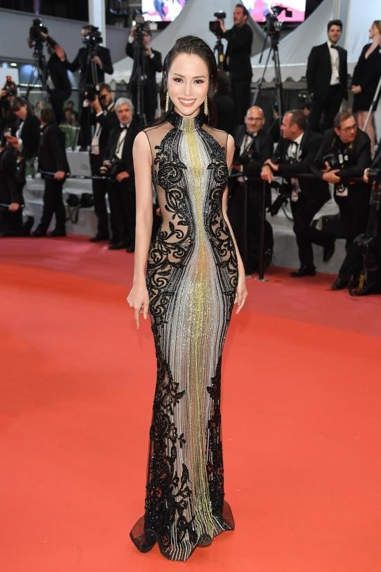 Vũ Ngọc Anh mặc váy hiệu lên thảm đỏ Cannes