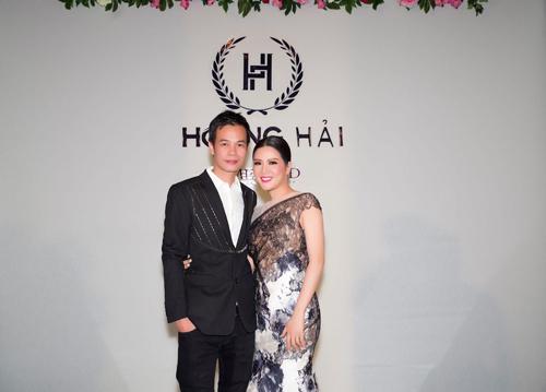 Show diễn của NTK Hoàng Hảiđược tổ chứctại khách sạn InterContinental Carlton Cannes vào 15h (giờ Paris)ngày 15/5. Đinh Hiền Anh là một trong những nghệ sĩ đồng hành với nhà thiết kế nổi tiếng.